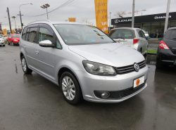 Volkswagen Touran TSI HIGH L 2011